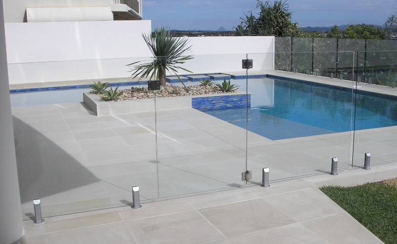 Professional Glass Pool Fencing Sunshine Coast | Link Industries